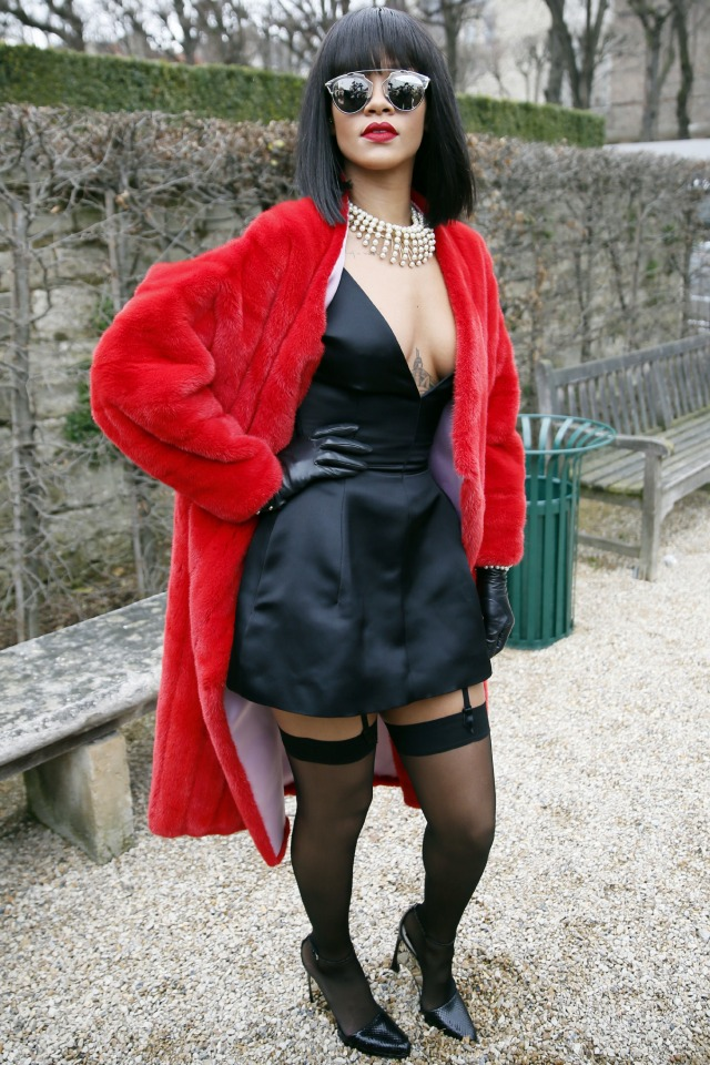 http://o.aolcdn.com/hss/storage/adam/c67b6ff6946d3b6ae15fdc290ea1f9db/Rihanna%20at%20Paris%20Fashion%20Week%20AW14.jpg.jpg