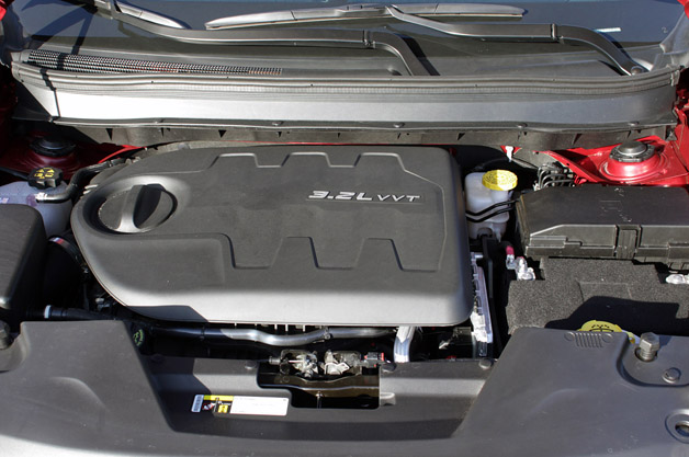 2014 Jeep Cherokee engine