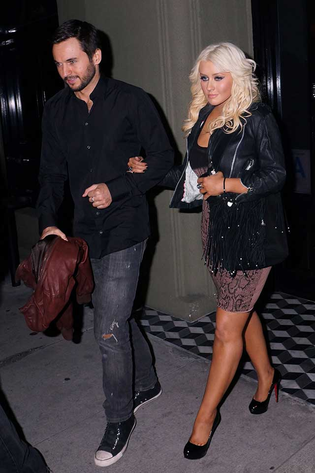 Christina-Aguilera-engaged