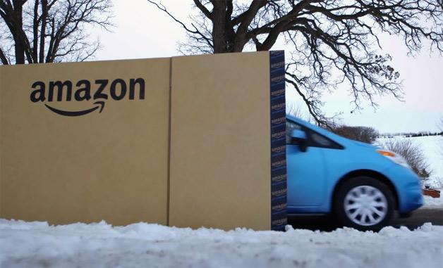 【ビデオ】日産「ヴァーサ ノート」がアマゾンの巨大な箱で届くまで!