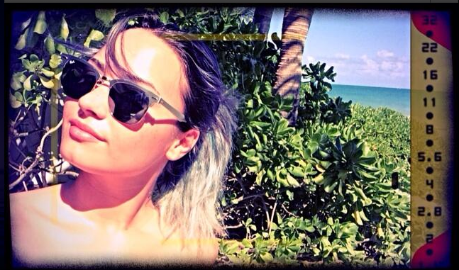 Demi Lovato silver hair vacation pic