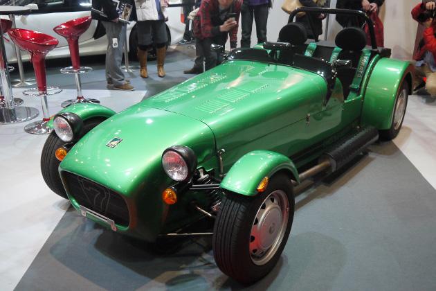 スズキの軽自動車用エンジンを積む「セブン」について、ケータハム・ジャパンの方に訊く!