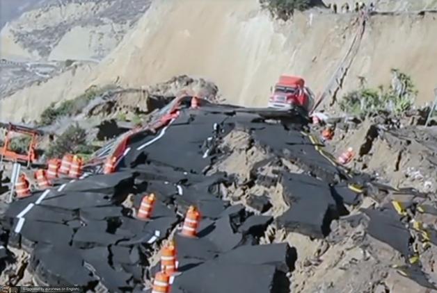 【ビデオ】見るも無残! 美しい景色が広がるメキシコの沿岸道路が大規模崩落