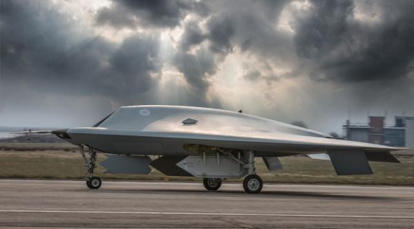 Taranis, el superdrone invisible británico, despega por primera vez  (vídeo)