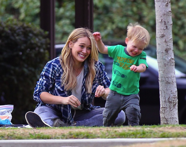 51296374 Singer and actress Hilary Duff spends some quality time at Coldwater Park with her son Luca on January 3, 2014  in Beverly Hills, California. FameFlynet, Inc - Beverly Hills, CA, USA - +1 (818) 307-4813