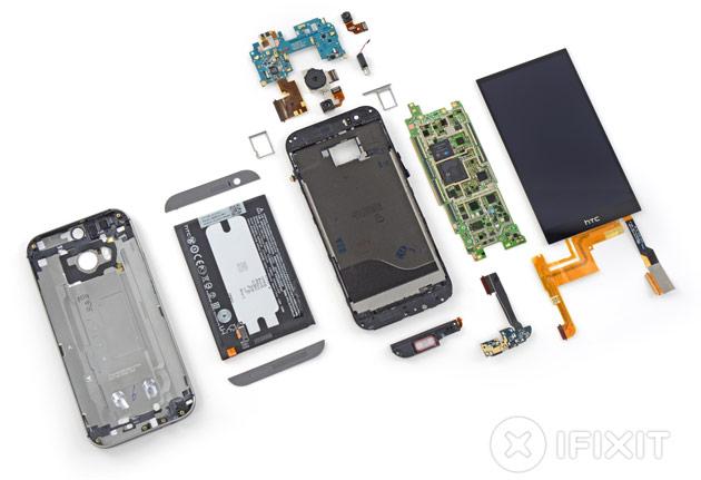 HTC One (M8) despedazado, y sí, es una pesadilla repararlo...