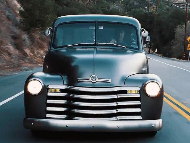 【ビデオ】外観はレトロ、室内は革新的なトラック「スリフトマスター」でドライブ