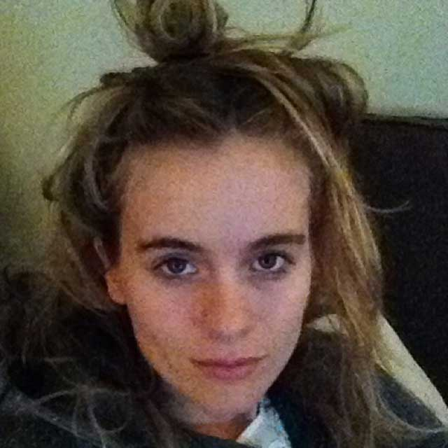Cressida-bonas-no-make-up-selfie