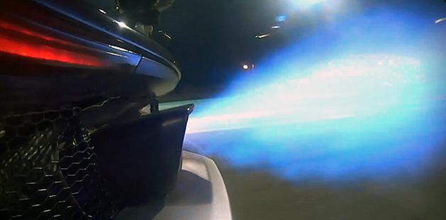 【ビデオ】カッコいい! マクラーレン「P1」の激しいアフターファイヤー!!