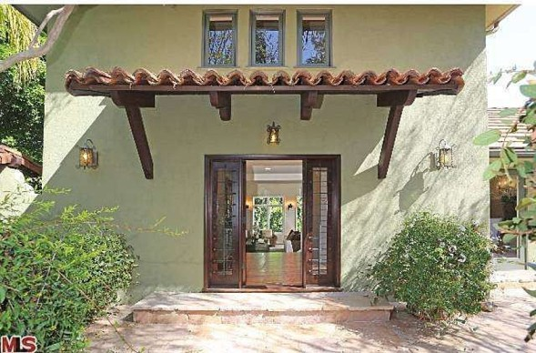 Justin Long Puts Private L.A. Mediterranean Back on Market