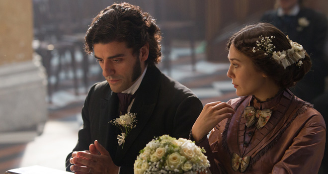 Oscar Isaac and Elizabeth Olsen in 'In Secret'