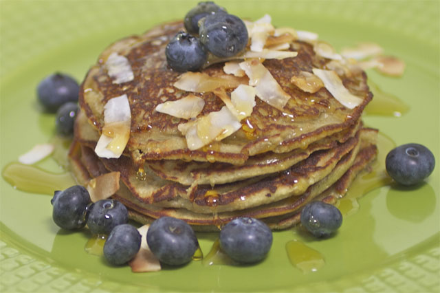 How to make banana and coconut pancakes