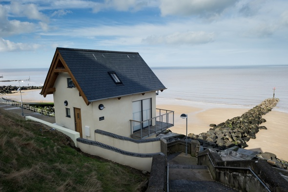 Man spends £190k turning Victorian seaside loo into holiday home for wife