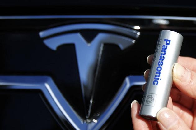テスラの新型バッテリーは「より安価でより高いエネルギー密度を誇る」とイーロン・マスクCEOが語る