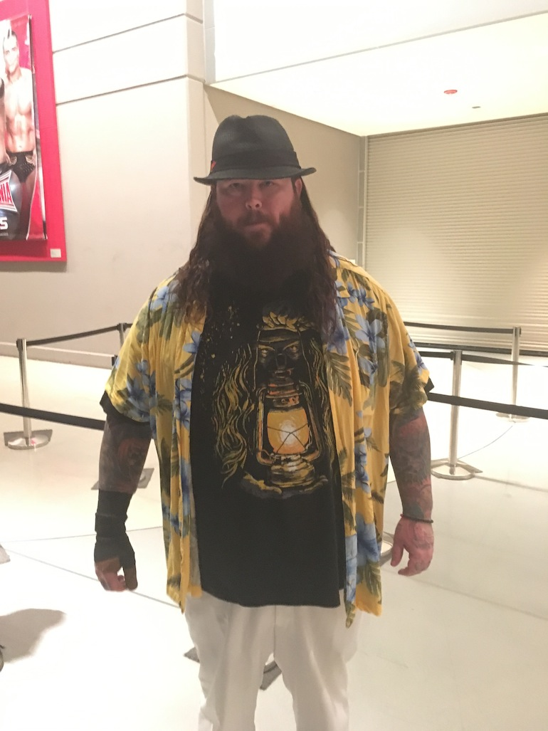 craziest wrestlemania 32 outfits, crazy wrestlemania outfits, wrestlemania 32 funny, rob fee wrestlemania