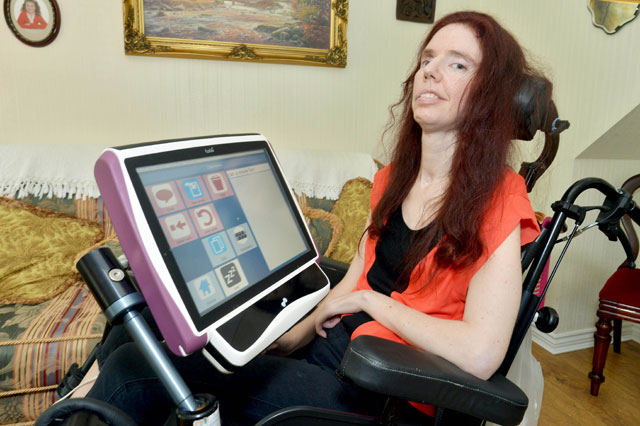 locked in syndrome mum completes degree blinking