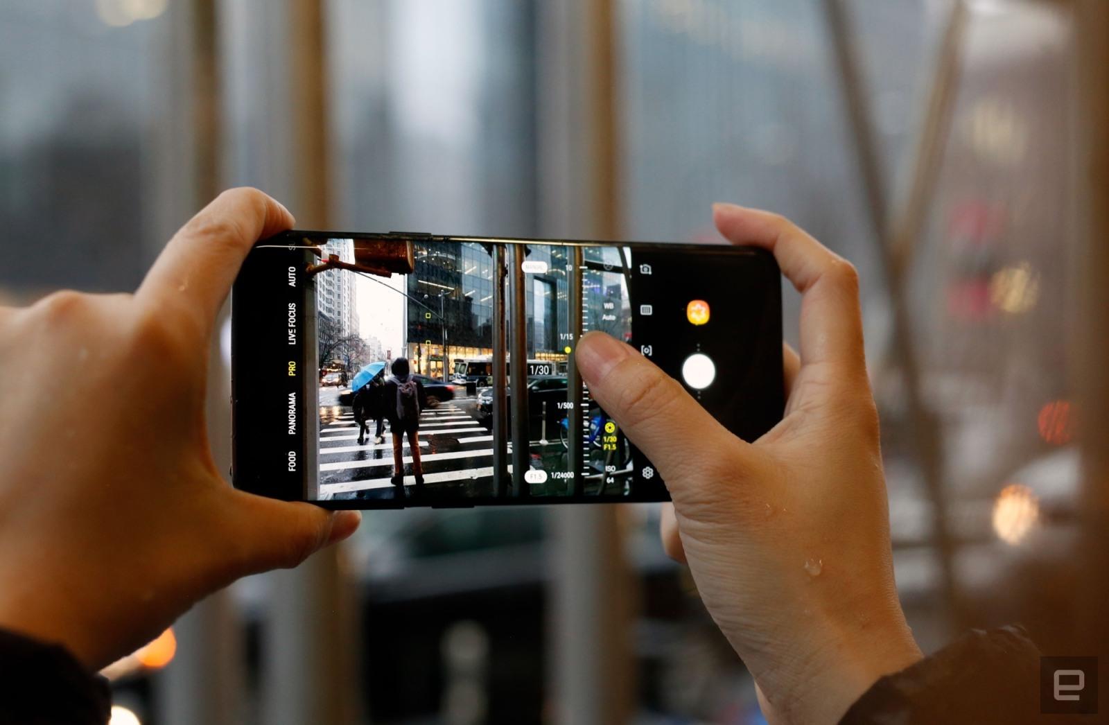 Samsung está investigando qué ocurre con las pantallas de sus nuevos Galaxy S9