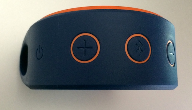 Buttons on Logitech X100 Mobile Wireless Speaker