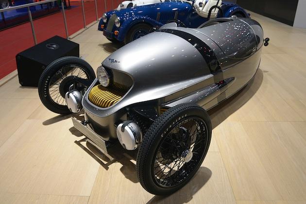 【ジュネーブ・モーターショー】モーガン、「3ホイーラー」の電気自動車版「EV3」を発表!