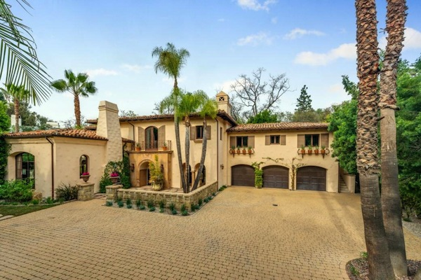 celebrity mansion that will disgust you, miley cyrus mansion