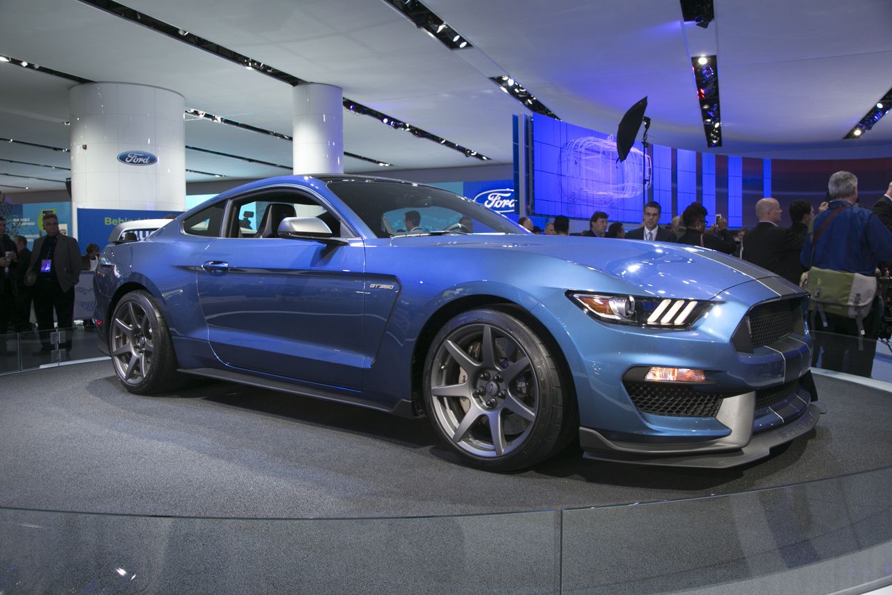 Performance Cars Overpower 2015 Detroit Auto Show