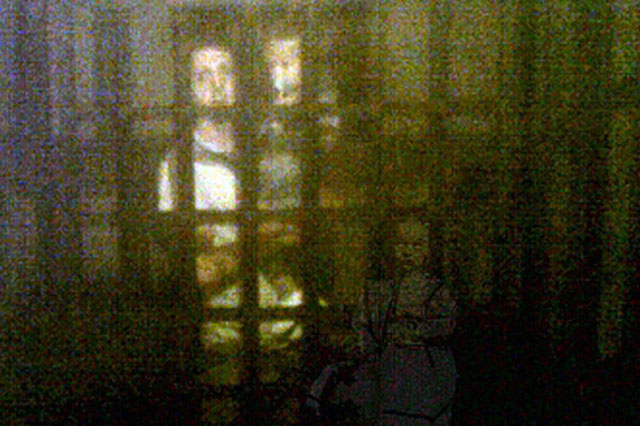 family sees ghost girl in museum photos