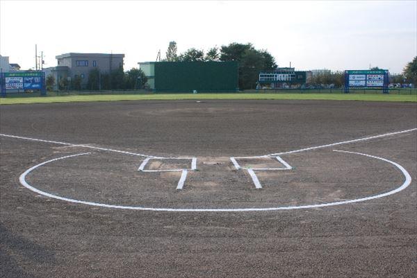 甲子園シーズン到来!野球未経験の校長監督が率いるチームに熱視線