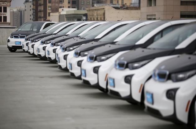 ロサンゼルス市警察が税金で大量導入したBMW「i3」を公務にほとんど使用せず、私用で乗り回していたことが発覚