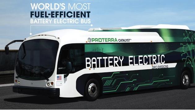 米プロテラ社の新型EVバスは、1回の充電で約290kmの走行が可能に!