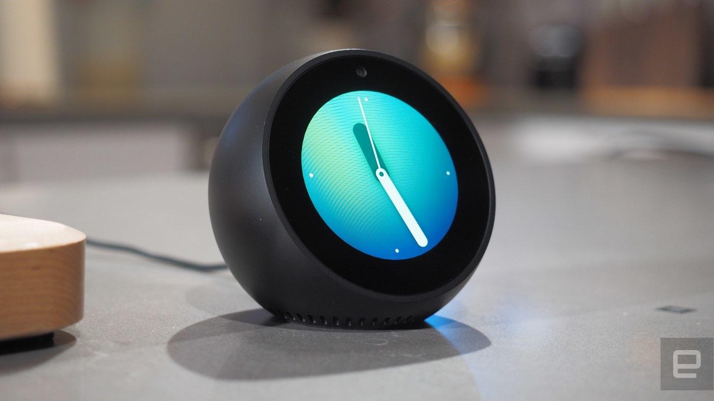 Alexa se cuela en tu mesilla de noche con el Echo Spot