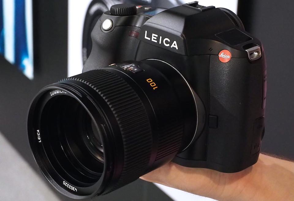 Leica's medium-format S shoots 4K video, 37.5-megapixel stills