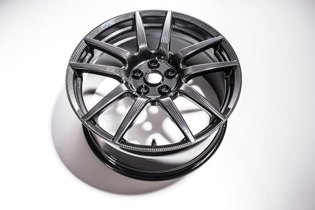 新型フォード「GT」、超軽量なカーボンファイバー製ホイールをオプションで設定