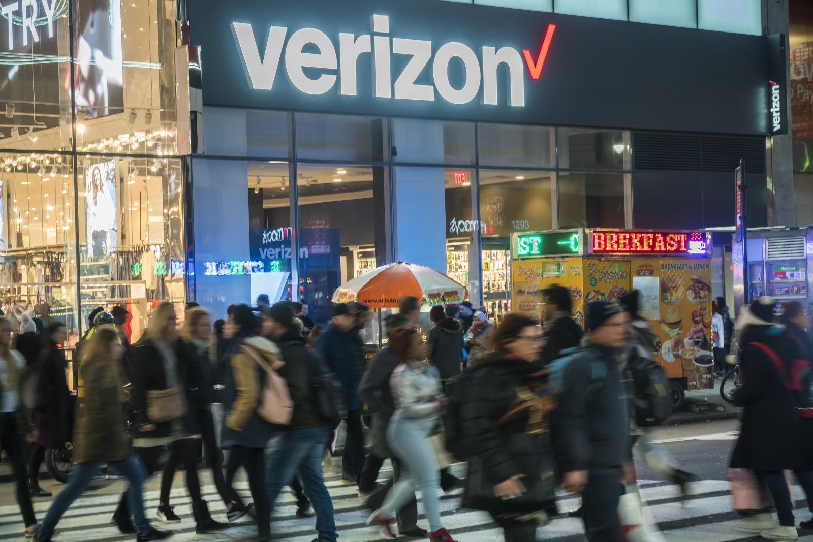 A Verizon Wireless store in the Herald Square neighborhood in New York on Tuesday, April 10, 2018. (�Photo by Richard B. Levine)