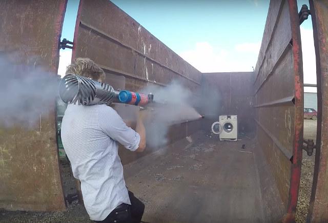 Gutenacht-Video: Waschmaschine im Explosiv-Schleudergang