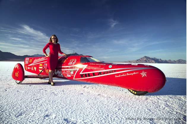 【ビデオ】時速389kmをマーク! 自作の電動2輪で世界最速ライダーとなった米国女性