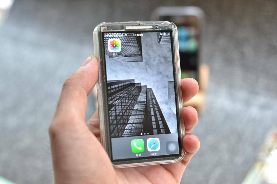 El iPhone X tiene un hermano pequeño, y es como Frankenstein