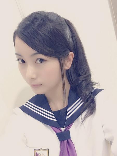 佐々木琴子の制服画像