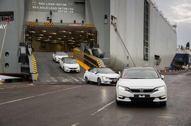 ホンダの燃料電池自動車「クラリティ フューエル セル」が欧州に上陸