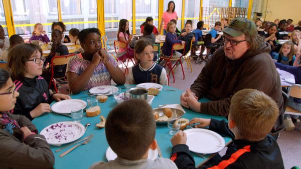 フランスの子供たちの給食は四つ星級!?アポなし監督・マイケル・ムーアが実際に現地に行ってみた【動画】