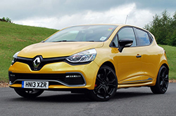 2014 Renault Clio RS 200 Turbo - front three-quarter view