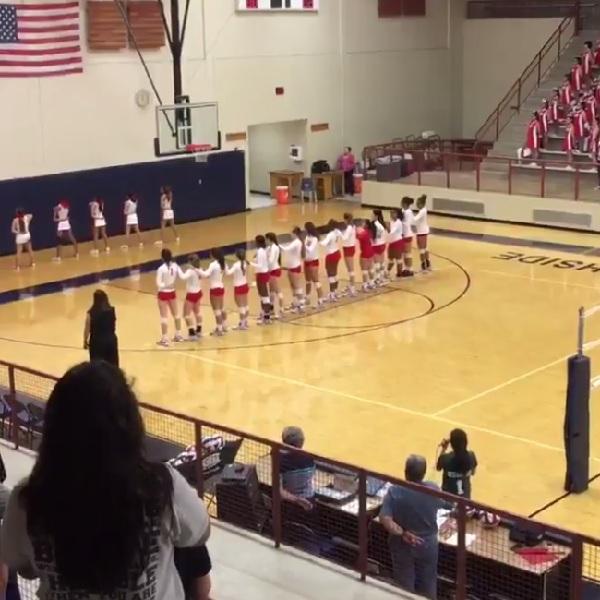 高校バレーボールの試合前、急きょ国歌斉唱を引き受けた選手の歌唱力がハイレベルすぎると話題に【動画】