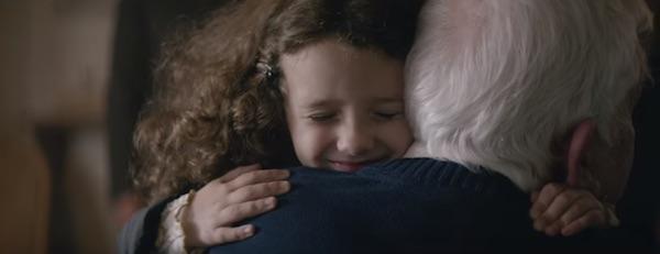 【号泣】クリスマス&おじいちゃんだから許されるかもしれない感動CMが話題に