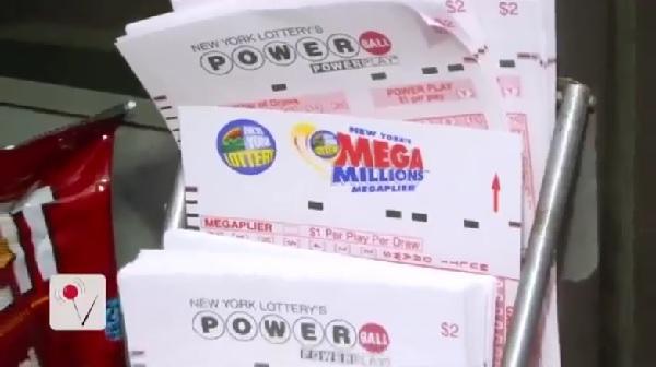 100万ドル当選の宝くじを引き換え期限直前に発見した男性が話題に!