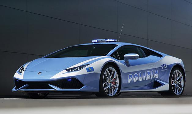 ランボルギーニ、「ウラカン」のパトカーをイタリア警察に寄贈!