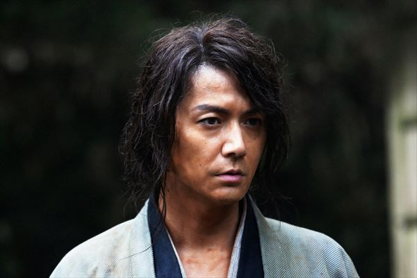 『るろ剣』福山雅治、驚異の役作り マネージャー相手にアフリカでも剣術稽古!