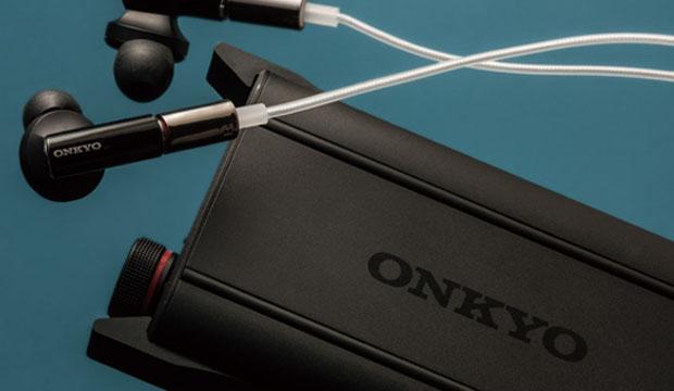 オンキヨーが同社初のポータブルヘッドホンアンプ製品 DAC-HA200... USBケーブルで直