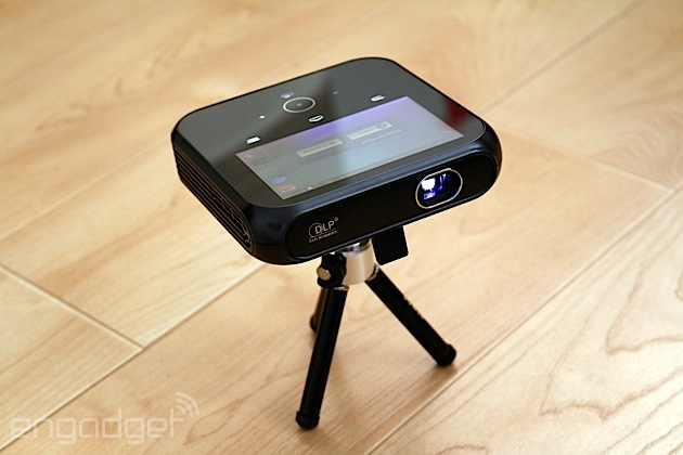 Sprint LivePro review: A mediocre projector hotspot that appeals to few