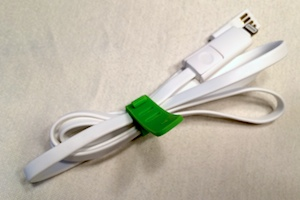 External flat USB to micro-USB/Lightning connector cable