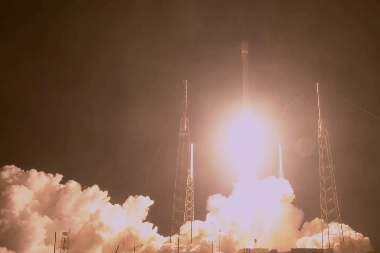 spacex-zuma-launch.jpg