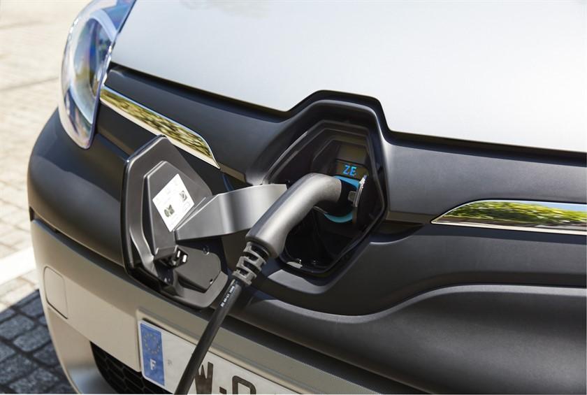 Renault-Nissan: Acht Elektroautos und zwölf Hybride bis 2022